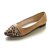 Leatherette Closed Toe Flats With Pointed Animal Print Toe (More Colors)