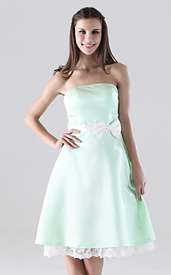 A-line Strapless Knee-length Satin Lace Bridesmaid/Homecoming Dress