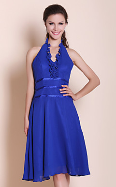 A-line Halter Knee-length Chiffon Bridesmaid Dress