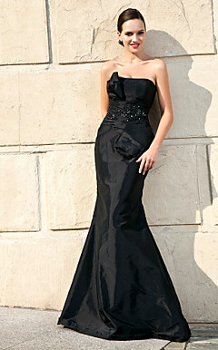 Trumpet/ Mermaid Strapless Floor-length Taffeta Mother of the Bride Dress