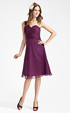 Sheath/ Column Sweetheart One Shoulder Knee-length Chiffon Bridesmaid Dress
