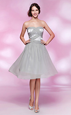 Sheath/Column Sweetheart Knee-length Chiffon And Stretch Satin Cocktail Dress