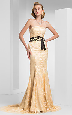 Trumpet/Mermaid Strapless Sweep/Brush Train Lace Evening Dress