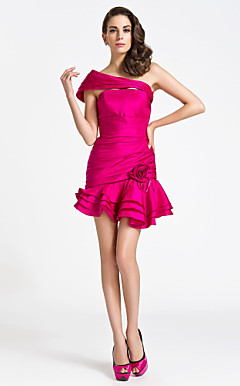 Trumpet/Mermaid Strapless Short/Mini Taffeta Cocktail Dress