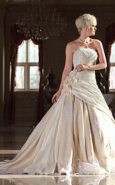 الجملة الجملة سطر حمالة قطار الكاتدرائية التفتا ثوب الزفاف مع الزهور